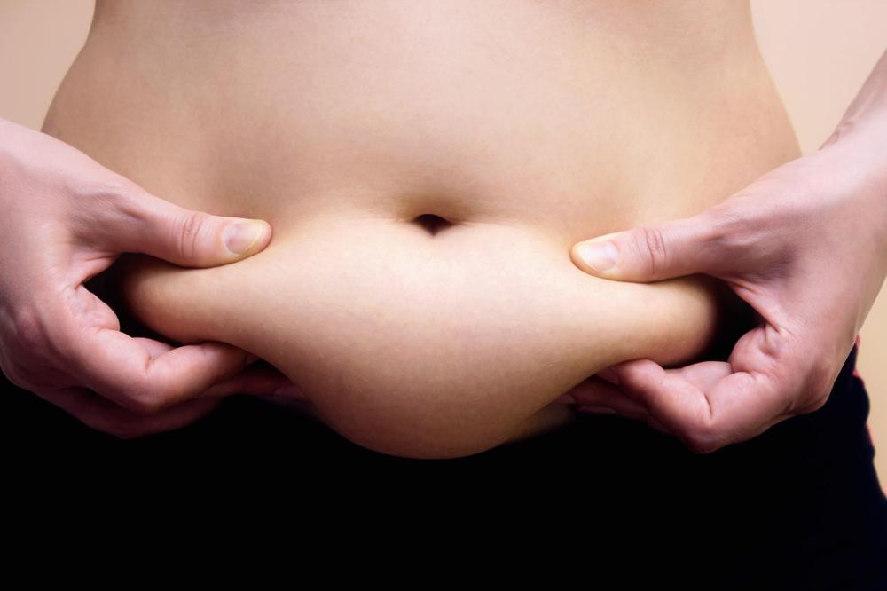 Brzuch tarczycowy – jak wygląda? Jak się go pozbyć?